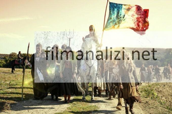 La Revolution Konusu Oyuncuları ve Fragman